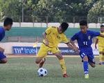 Cầu thủ U13 phải thi đấu dưới thời tiết 40 độ C