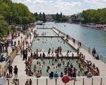 Paris biến kênh nước thải thành hồ bơi cho dân
