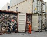 Rác thế giới đổ về Việt Nam: Có gì bên trong container phế liệu?