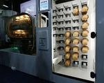 Thích thú với chiếc máy tự động sản xuất hàng loạt bánh mì ở CES 2019