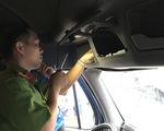 Cả tài xế, phụ xe container dương tính ma túy, giấu hung khí trên xe