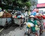 Hà Nội: đường phố ngập rác vì người dân chặn xe vào bãi rác