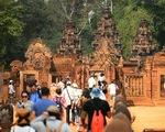 Khách Trung Quốc tràn ngập Campuchia, khách Tây bỏ đi
