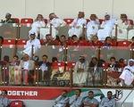 HLV Park Hang Seo trầm ngâm khi đi xem trận Nhật Bản - Saudi Arabia