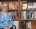 Giáo sư Mỹ từ chức vì bị cáo buộc