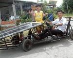 Xe năng lượng mặt trời của chàng trai
