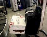 """""""Giám sát chặt"""" mà hành lý vẫn bị rạch?"""