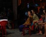 Dân ven bãi rác Khánh Sơn thức đêm chờ lãnh đạo thành phố Đà Nẵng