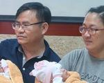 Hai bé gái song sinh dính nhau phần gan đã xuất viện