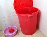 Nhiều khu dân cư ở Hà Nội hoang mang vì nước máy có mùi nhựa cháy