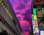 Bầu trời Nhật chuyển tím đáng sợ trước siêu bão Hagibis mạnh nhất 60 năm đổ bộ