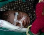 Bé sơ sinh 8 ngày tuổi sống sót kỳ diệu sau khi bị chôn sống gần 3 ngày
