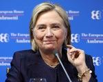 Bà Clinton đăng thư giả