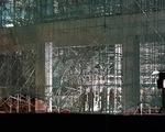 Sập giàn giáo công trình Trung tâm văn hóa Xứ Đông, 5 công nhân bị thương