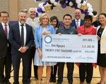 Thầy giáo gốc Việt đoạt giải thưởng giáo dục uy tín ở Mỹ