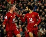 Thắng ngược kịch tính Tottenham, Liverpool hơn Man City 6 điểm