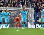 Thủ môn mắc sai lầm, Tottenham thua đậm 0-3 trước 'đàn em' Brighton