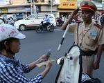 Cảnh sát giao thông có phải chào lái xe say rượu?