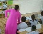 Phụ huynh, giáo viên được gì khi đối phó nhau bằng camera?