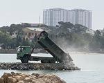 Giật mình với dự án lấp biển làm thủy cung ngay