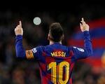 Đêm của Messi: 2 siêu phẩm đá phạt và 1 quả phạt đền
