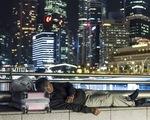 Hàng ngàn dân Singapore ngủ bụi mỗi đêm