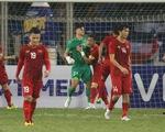 Hòa Thái Lan trong trận cầu nhiều tranh cãi, Việt Nam tiếp tục dẫn đầu bảng