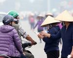 Vé trận Việt Nam - Thái Lan lên 12 triệu đồng/đôi, phe vé đánh nhau tranh mua - bán