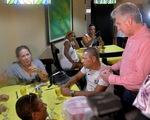 Chủ tịch Cuba dắt các bộ trưởng vi hành