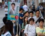 Cử tri Hong Kong đi bầu đông kỷ lục, dự báo kết quả bất ngờ