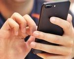 Xem smartphone quá nhiều: coi chừng bị bệnh mắt chéo!