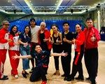 Vận động viên khiêu vũ thể thao Việt Nam không có nước nóng để tắm gội