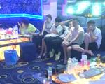 Video: Kiểm tra quán karaoke phát hiện 25 người nước ngoài dương tính ma túy