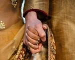 Cặp vợ chồng Ấn Độ bị ném đá tới chết vì không 'môn đăng hộ đối'