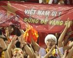 Người hâm mộ khắp nơi cổ vũ U22 Việt Nam đá chung kết SEA Games