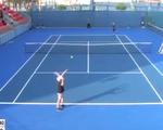 Tay vợt bị chê