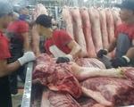 Giá heo vượt giá bò, người mua