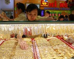 Giá vàng thế giới vọt lên, trong nước vượt 42 triệu đồng/lượng