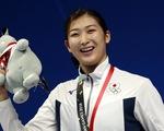 Ngôi sao bơi lội 18 tuổi người Nhật quyết đánh bại bệnh ung thư máu