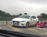 Lại thêm một vụ dừng xe ngồi ăn uống trên đường cao tốc