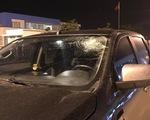 Ôtô bị ném vỡ kính trên đường cao tốc Hà Nội - Hải Phòng