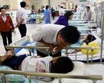 Hàng chục học sinh nhập viện cấp cứu nghi bị ngộ độc