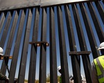 Ông Trump lấy đâu ra 8 tỉ USD để xây tường biên giới?