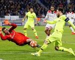 Lyon kiên cường cầm chân Barcelona