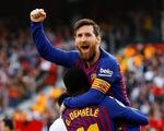 """Messi ghi 2 bàn và 1 """"siêu phẩm"""" giúp Barca thắng ngược Sevilla"""