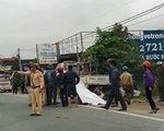 Hà Tĩnh: Đâm vào xe tải đỗ bên đường, hai cha con tử vong