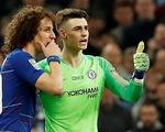 Video sốc với màn kháng lệnh HLV của thủ môn Chelsea