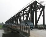 Nâng tĩnh không cây cầu 117 tuổi, gỡ nút thắt đường thủy trọng yếu