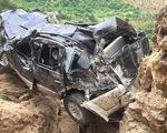 Ôtô lao xuống vực sâu 400m, lái xe tử vong