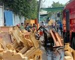 Đồng Nai: Xưởng sơn cháy lớn, dân hốt hoảng khuân tài sản ra ngoài